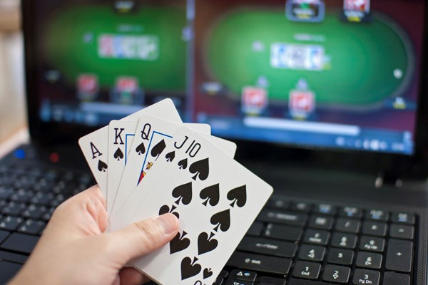 How safe it is to play online poker? – Blackjack Online Articles